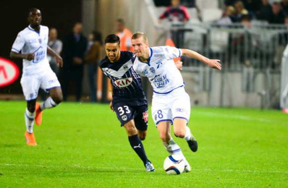 Adam Ounas et Stephane Darbion