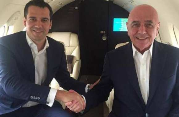 Adriano Galliani et Nelio Lucas, around the world.