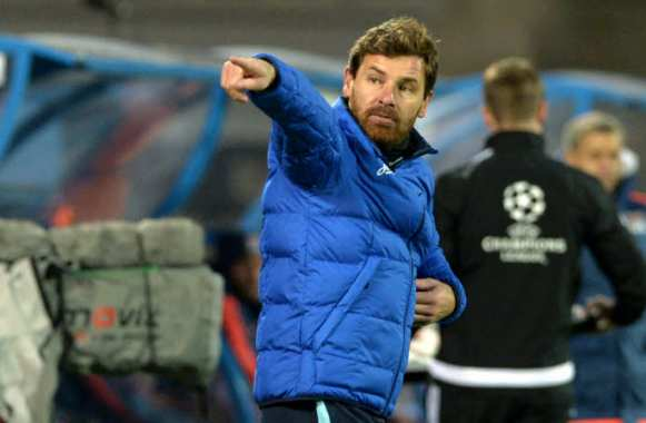 André Villas-Boas montre la direction