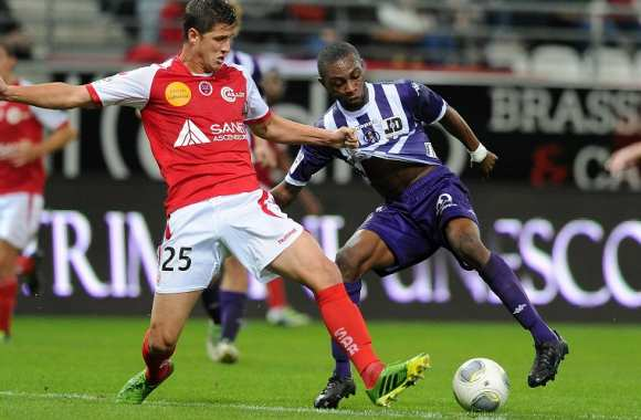 Anthony Weber (Reims) face à Jean Daniel Akpa Akpro (Toulouse)