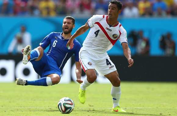 Antonio Candreva (Italie) vs Michael Umana (Costa-Rica)