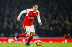 Arsenal casse sa tirelire pour prolonger Özil