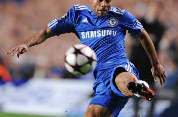 Ashley Cole à poil