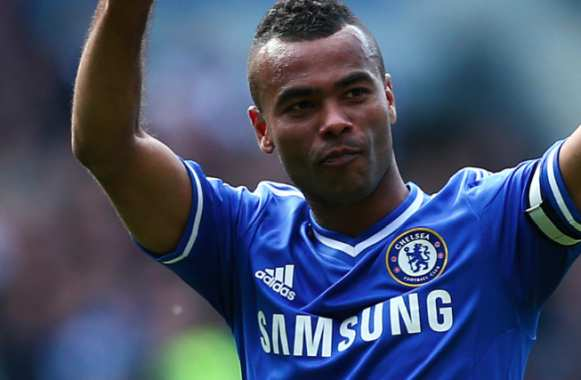 Ashley Cole, de bleu à rouge