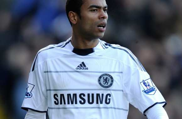Ashley Cole défend Arsenal