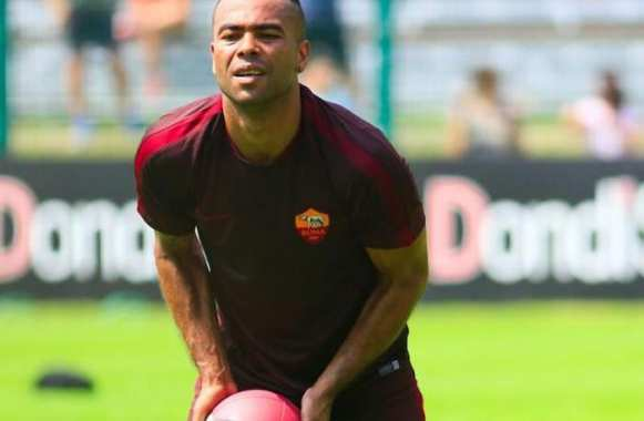 Ashley Cole époque Roma