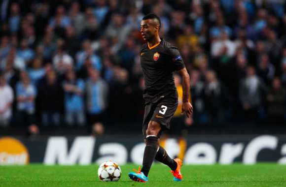 Ashley Cole libéré par la Roma