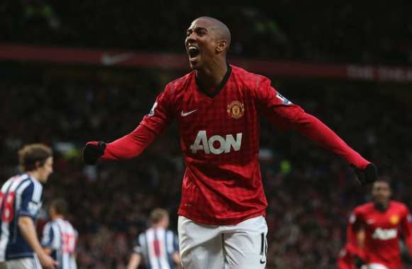 Ashley Young serial plongeur