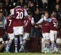 Aston Villa domine Reading