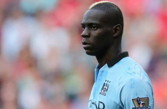Balotelli attaque Manchester City