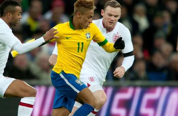 Barça : Neymar attend Rooney