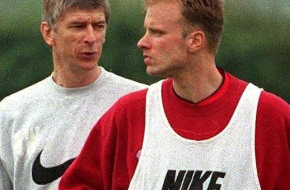 Bergkamp inquiet pour Arsenal