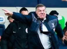 Big Sam déteste l'idée de sanctionner les simulateurs a posteriori