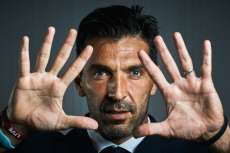 Buffon encense Ronaldo