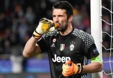 Buffon ne pense pas au Ballon d'or