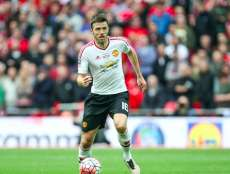 Carrick prolonge à MU
