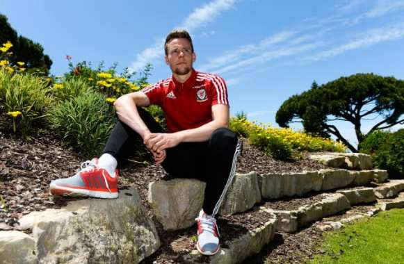 Chris Gunter regarde-t-il vers le Mexique ?