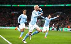 City roule sur Arsenal et remporte la League Cup