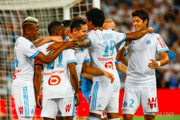 clinton njie et val re germain font du bien l 39 om ligue 1 france. Black Bedroom Furniture Sets. Home Design Ideas