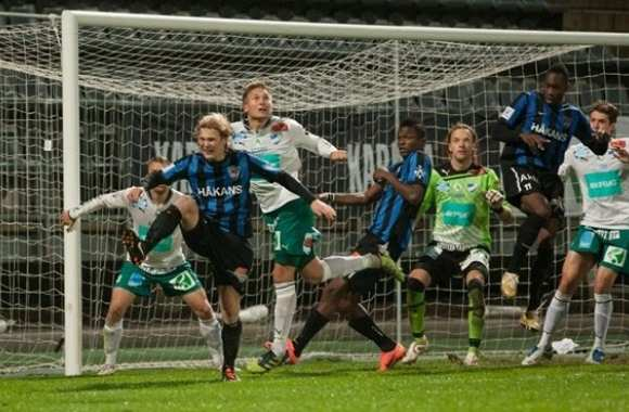 Contre le FC Inter Turku.