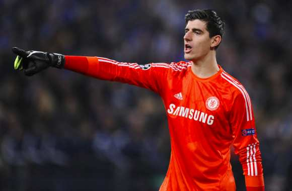 Courtois tacle Neuer