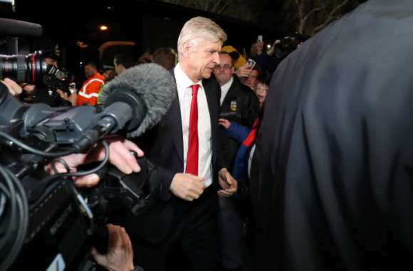 Critiqué, Wenger assume sa compo
