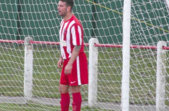 Dan Smith, avec le maillot de Seaham Red Star, en 2013