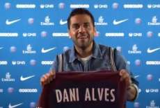 Dani Alves officiellement à Paris