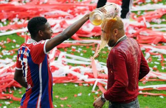 David Alaba et Pep Guardiola trinquent
