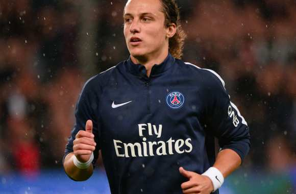 David Luiz, tignasse attachée