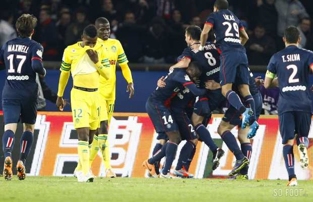 D�ception des Nantais apr�s le but de Cavani, le 4e de la soir�e