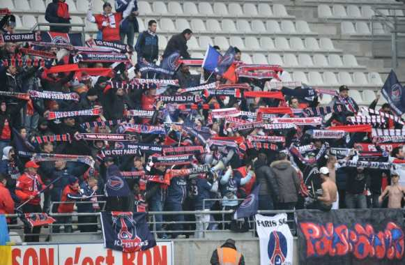 Des supporters du PSG lors du match à Reims