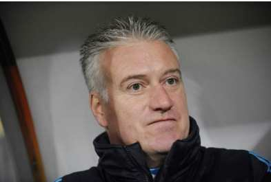 Deschamps peste contre le vent