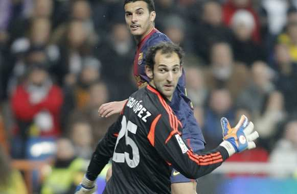 Diego Lopez (Real Madrid) face à Pedro (FC Barcelone)