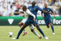 Alou Diarra contre Ashley Young