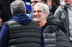 Domenech tacle Messi
