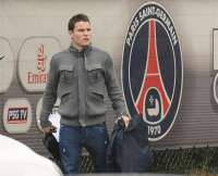 Kévin Gameiro, sur le parking du Camp des Loges