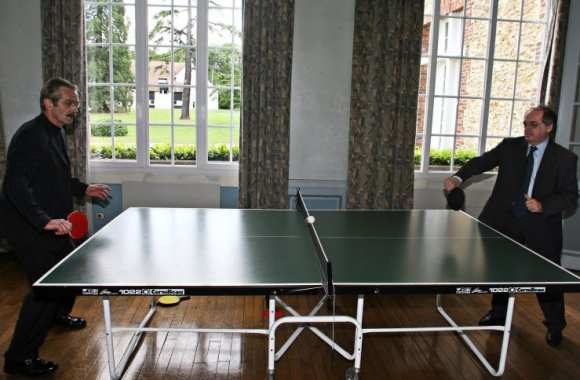 Et si on les mettait plutôt au tennis de table?