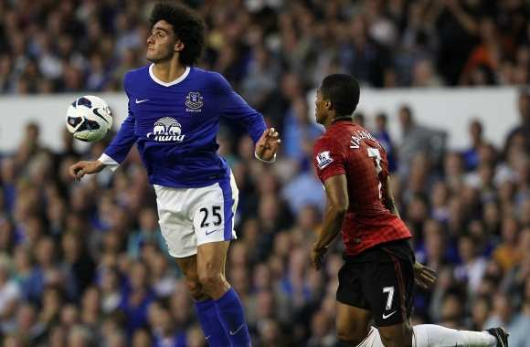 Everton ne lâche pas Fellaini