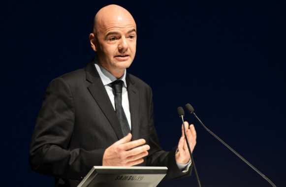 Gianni Infantino, en plein speech, comme d'ab