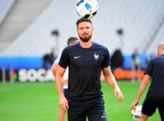Giroud, la Marseillaise et sa mamie