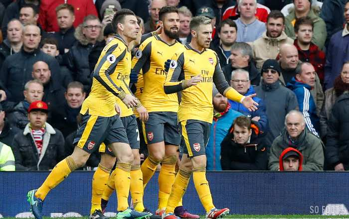 Giroud refroidit Old Trafford