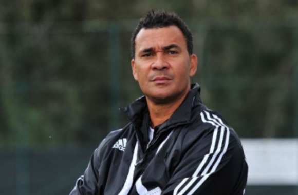 Gullit critique Manchester United