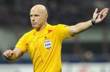 Howard Webb mis à l'amende