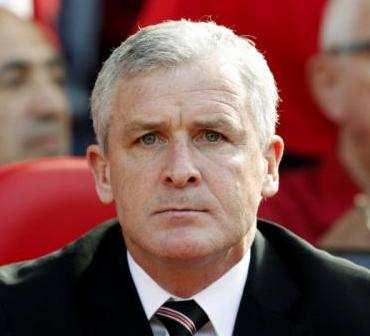 Hughes pour remplacer Houllier