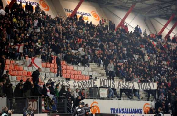 Incidents de Nancy : les supporters communiquent