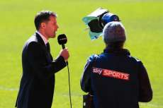 Jamie Carragher suspendu d'antenne