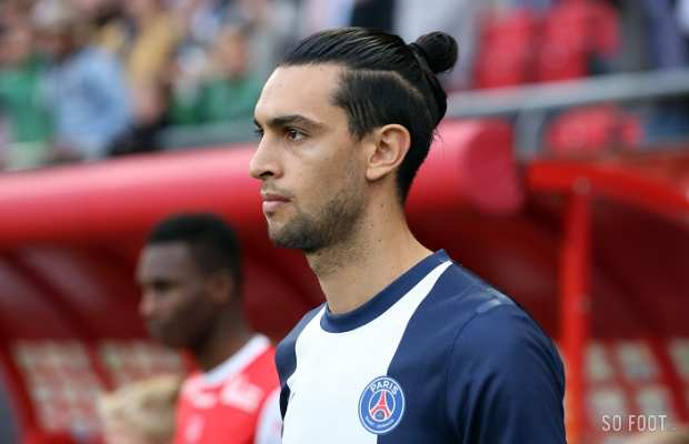 The 28-year old son of father Javier Pastore and mother Maria Pastore, 190 cm tall Javier Pastore in 2017 photo