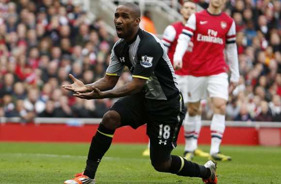 Jermain Defoe face à Arsenal