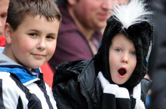 Jeunes supporters Magpies